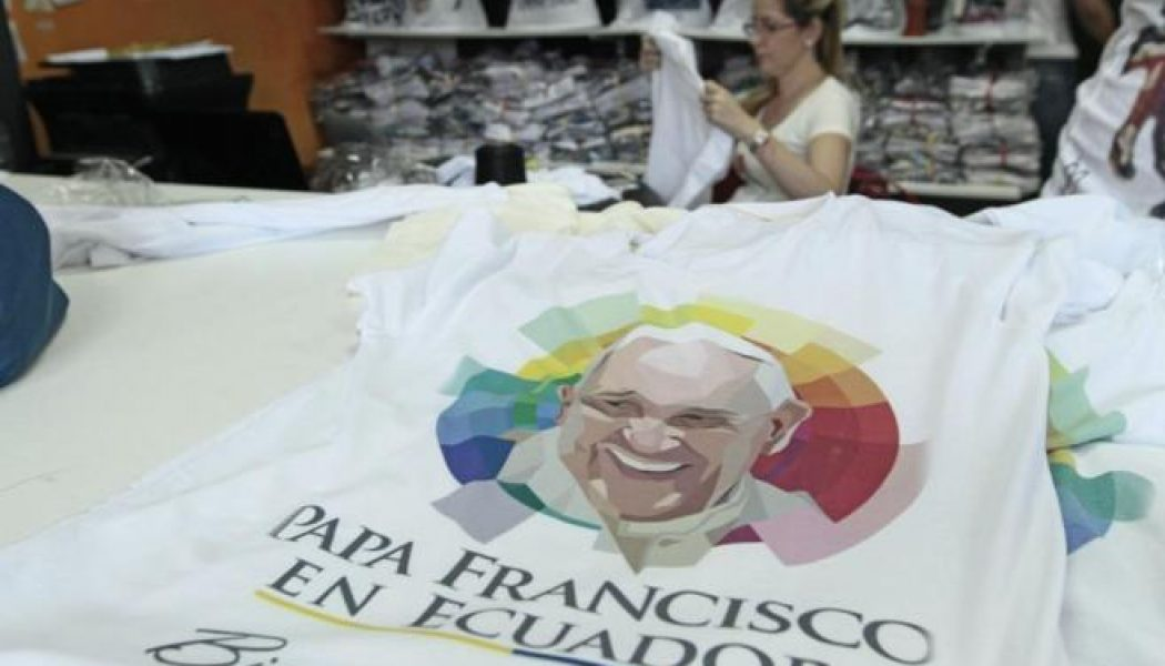 Ecuador espera 'en armas' al Papa
