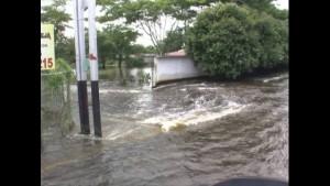 150707211111-cnnee-pkg-hernandez-vezuela-floods-00004517-horizontal-gallery