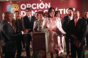 minou-tavarez-presenta-las-credenciales-de-su-partido-opcion-democratica