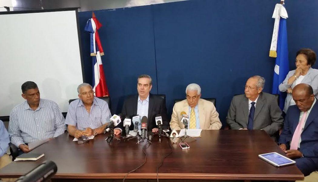 PRM exige Gobierno rebaje al menos 25% a la tarifa eléctrica