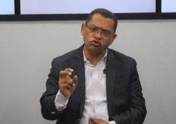 Politólogo: Crisis de partidos políticos es por mala calidad del liderazgo