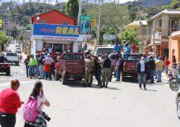 Agricultores Valle Nuevo protestan para que se les deje volver a trabajar en el área protegida