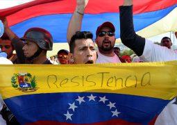 """Venezuela: entre la tensión de las protestas y una economía que se hunde en """"profunda crisis"""""""