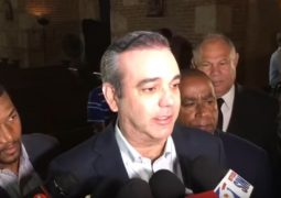 """Abinader: """"El PRM ha sabido honrar memoria de Peña Gómez"""""""