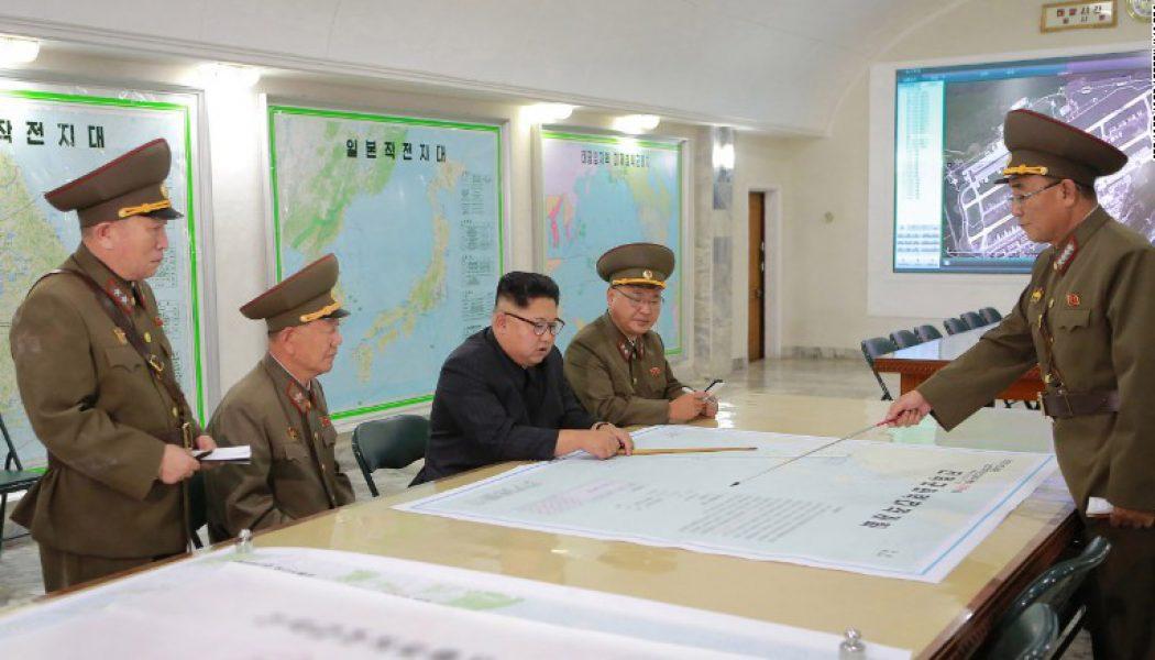 Corea del Norte dispara un proyectil no identificado que voló sobre Japón