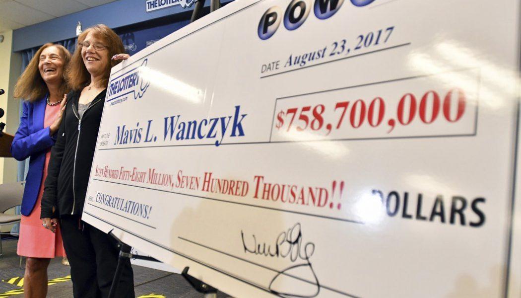 Empleada de hospital se gana los 758 millones del Powerball