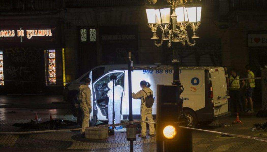 El hombre que conducía la furgoneta del atentado de Barcelona sigue prófugo