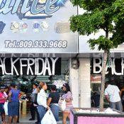 Sector comercial aprovecha previa del Viernes Negro para vender más