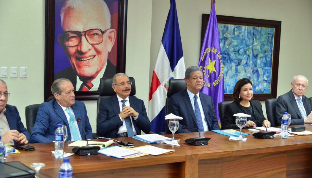 Comité Político del PLD desarrolla su reunión en la Oficina Presidencial