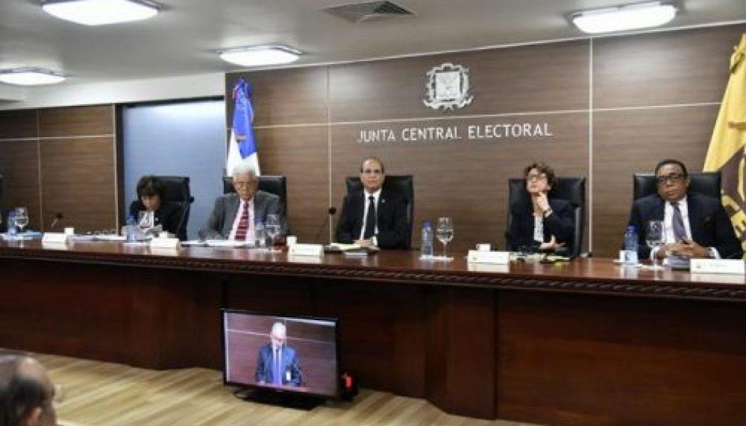Pleno JCE aprueba Resolución Veedores de Partidos Políticos en Direcciones Informática y Elecciones JCE