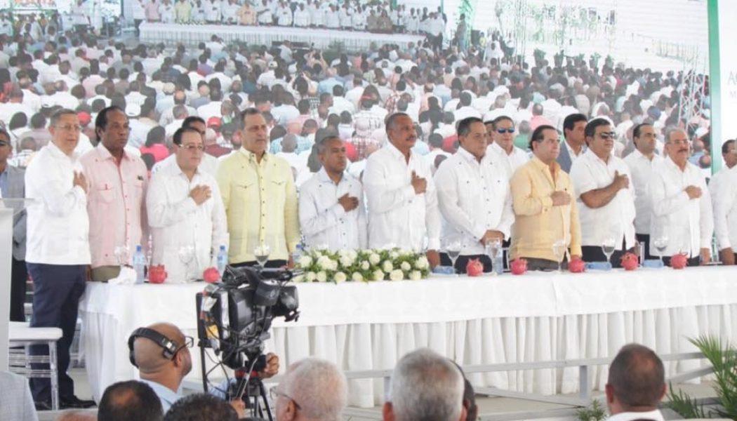 Productores y campesinos celebran Día Nacional del Agricultor junto a Danilo Medina
