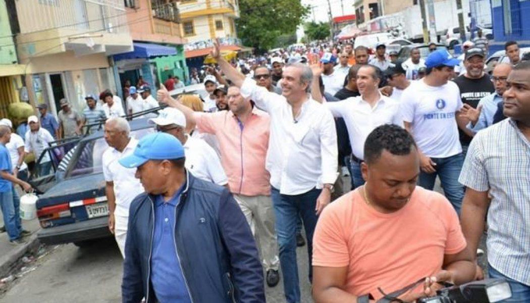 Oposición se moviliza contra reelección de Danilo Medina