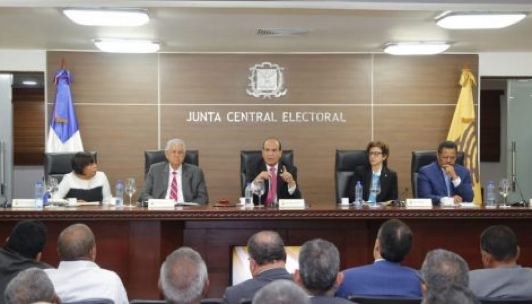 JCE aprueba reglamento dispone convenciones de partidos sean del 10 al 27 de octubre