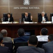 La JCE ordena suspender las actividades proselitistas a destiempo en Dominicana