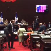 Sesión termina con enfrentamientos entre Lucía Medina y Henry Merán