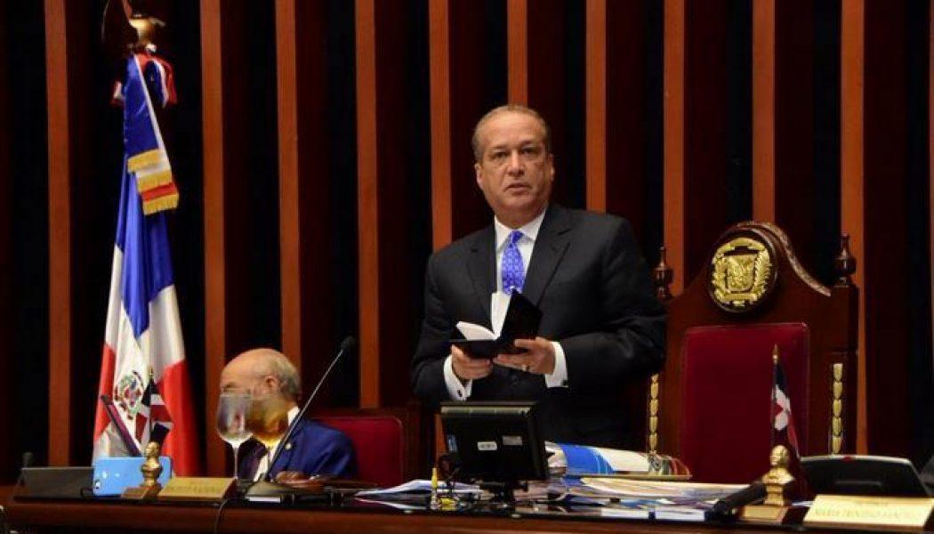 Reinaldo Pared ordena retiro de militares y policías en el Congreso