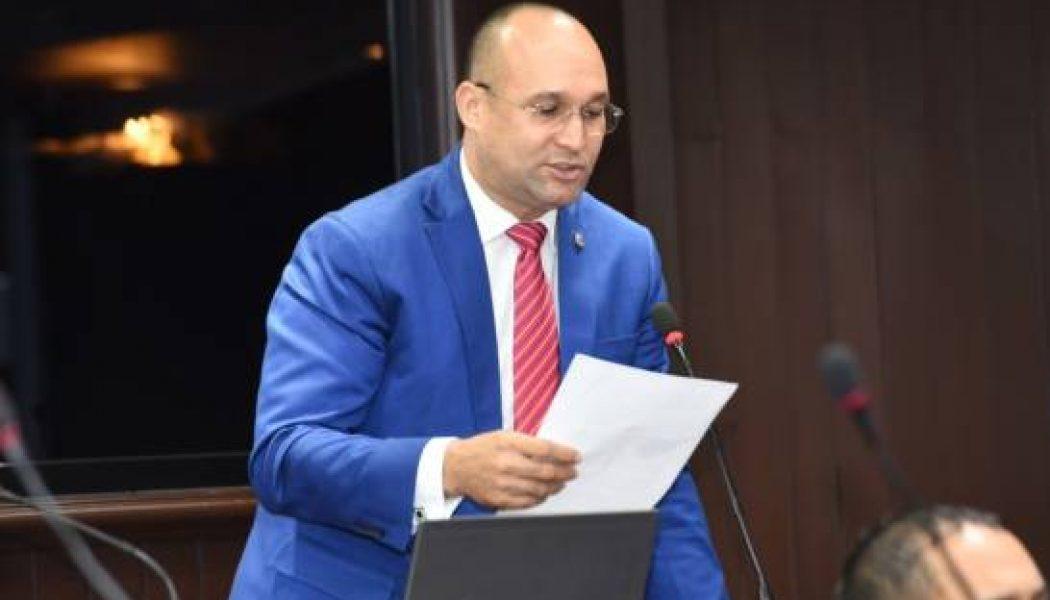 Diputados del PRM desobedecen línea partidaria y votan en sesión