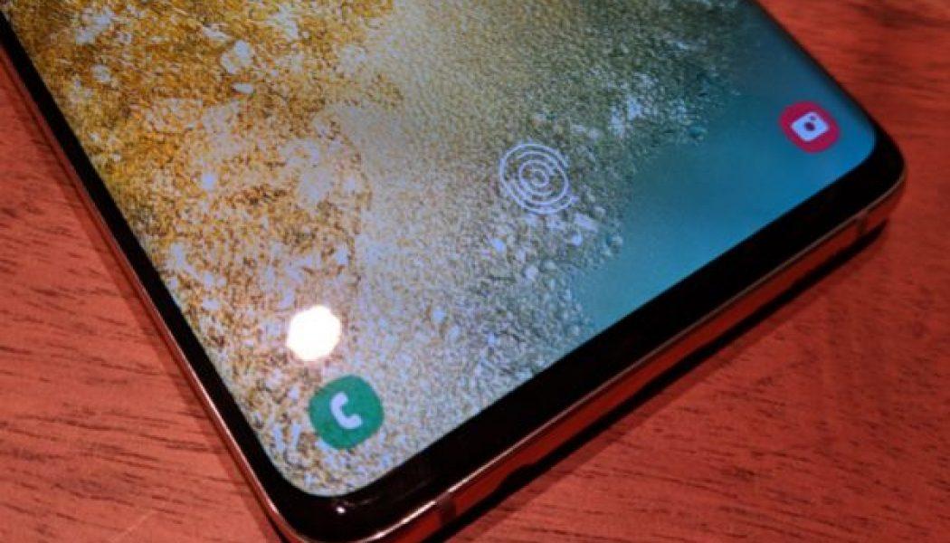 Un fallo permite desbloquear el Galaxy S10 de Samsung con cualquier huella dactilar