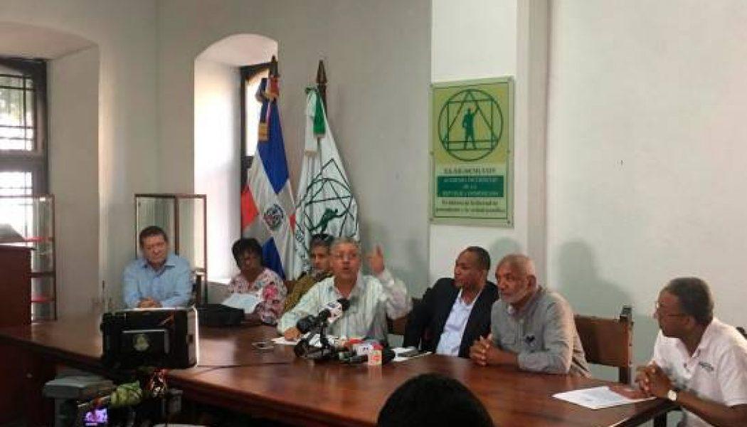 Coalición solicita al presidente destitución del ministro de Medio Ambiente