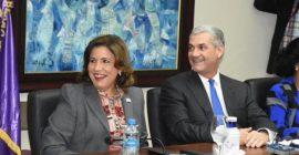 Gonzalo Castillo elige a Margarita Cedeño como su compañera de boleta