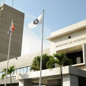 Gobierno inicia pago adelantado del sueldo marzo a empleados públicos