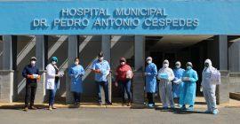 Entregan equipos a personal del hospital con aportes de la ciudadanía