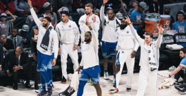 Equipos esperan por reglamento de la NBA para incorporar a las prácticas a los jugadores que viajaron