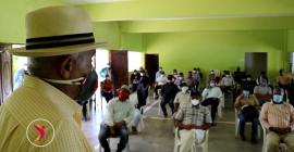 Ministro de Agricultura se reúne con agricultores de Constanza