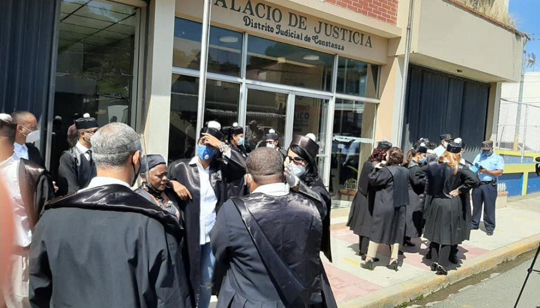 Abogados exigen reapertura de tribunales en Constanza