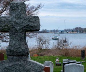 Nueva York enterró a casi 900 personas en una fosa común durante la crisis de coronavirus