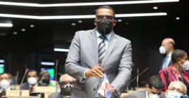 Botello resulta afectado por bombas lacrimógenas lanzadas contra manifestación
