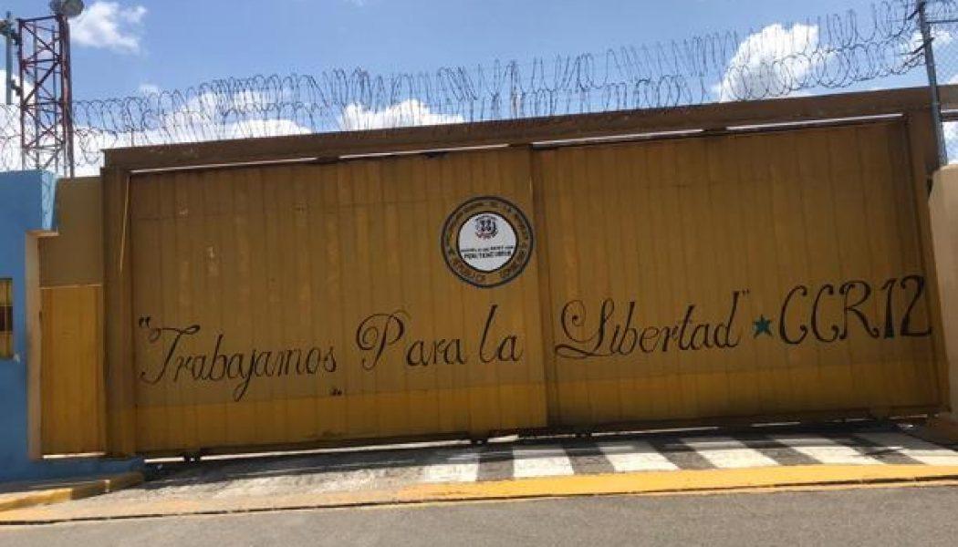 Muere un recluso al intentar escapar de la cárcel en Moca; otro huyó