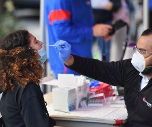 Estados Unidos roza los 215 mil muertos por coronavirus