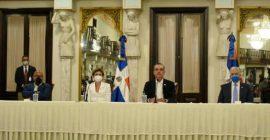 Gobierno firma contrato con empresa de EEUU para exploración y explotación de hidrocarburos en SPM