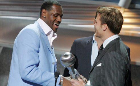 Tom Brady felicita a LeBron James con una graciosa publicación en las redes